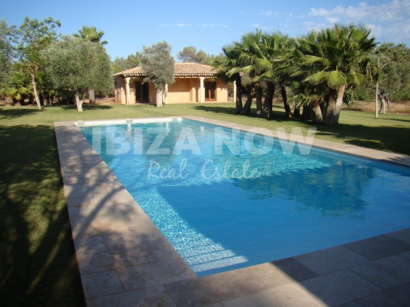 Beautiful large property for sale close to Ibiza Town