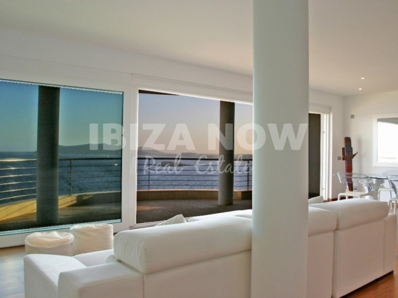 Penthouse for sale with stunning sea views close to Ibiza