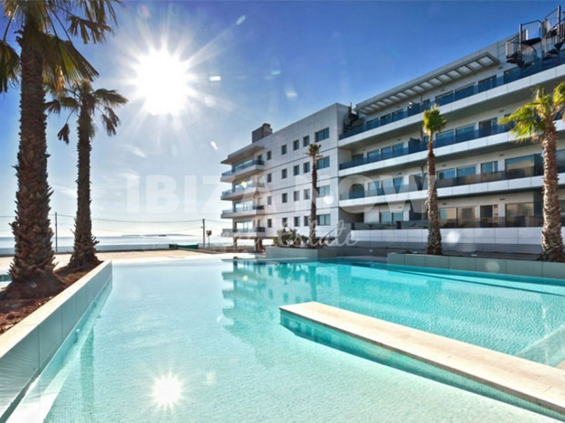 Large 3 bedroom apartment for sale in Royal Beach complex, Ibiza.