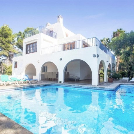 Large villa for sale located close to Ibiza town.