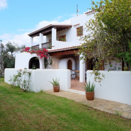 Nice Spanish villa for sale in Santa Gertrudis, Ibiza.