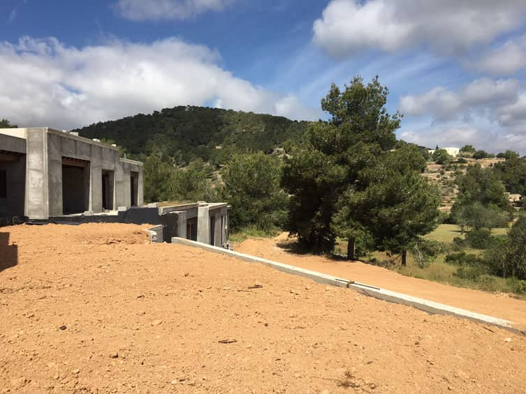 Large villa for sale in a quiet location and close to Ibiza Town