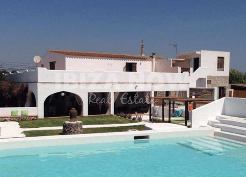 Old Ibicenco finca for sale close to Ibiza town, Ibiza.