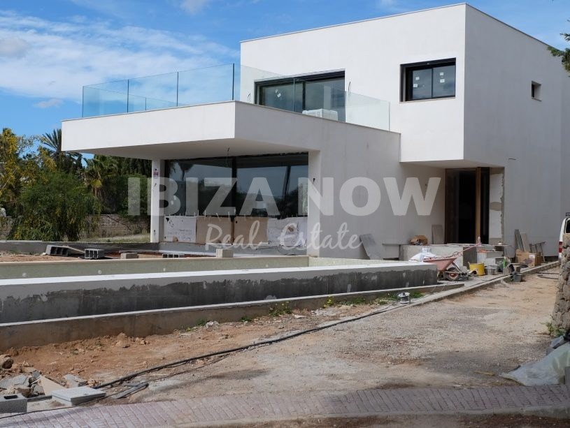 Modern 4 bedroom villa for sale in Talamanca, Ibiza