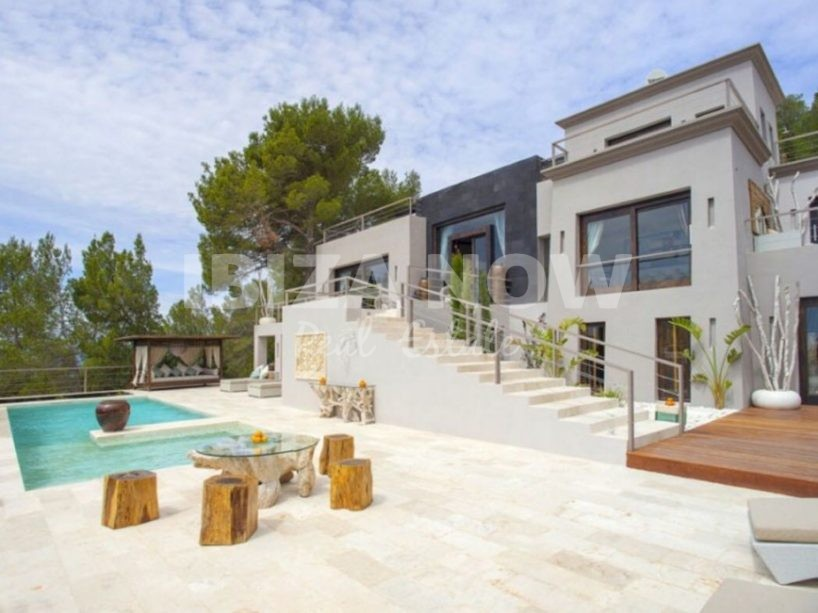 Beautiful hilltop villa for sale in the North part of the Island Ibiza.