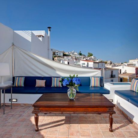 Charming 3 bedroom property for sale close to Vara del Rey, Ibiza.