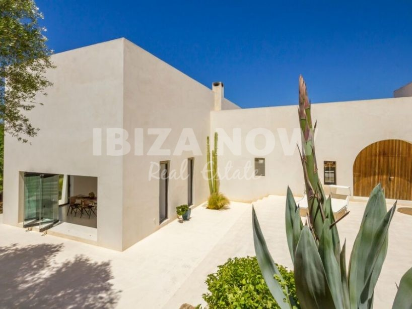Beautifully renovated villa for sale close to Santa Gertrudis, Ibiza