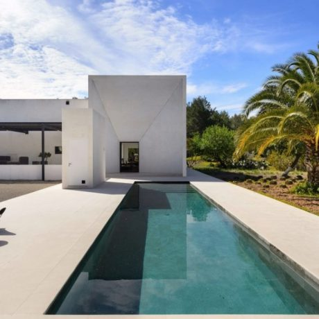Beautifully renovated villa for sale close to Santa Gertrudis, Ibiza.