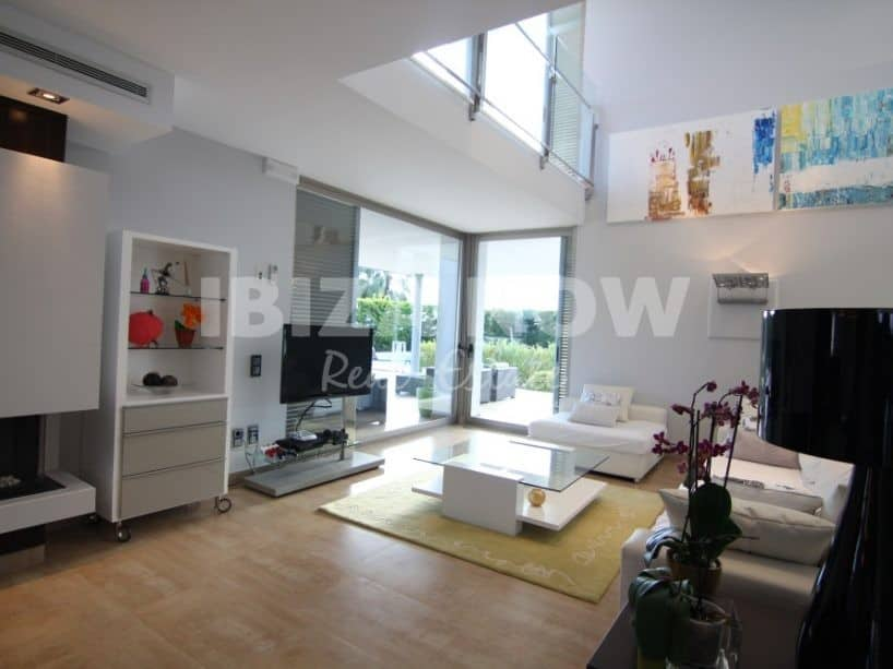 Modern 5 bedroom villa for sale in Sa Carroca, Ibiza.