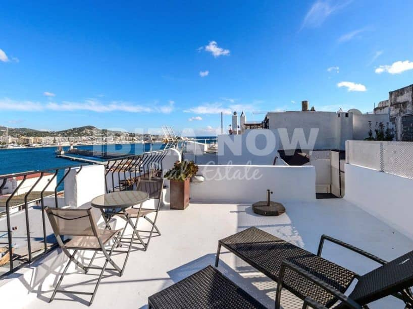 House for sale with 2 bedroom sea view in Ibiza Town.