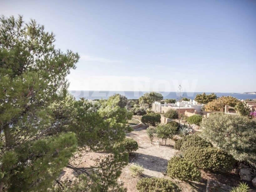 Building for sale with 4 apartments in Calo Den Real, Ibiza