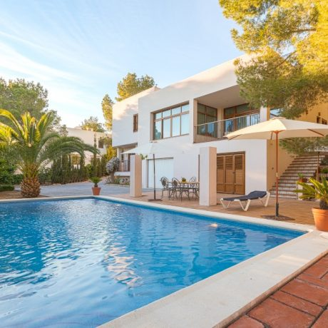 4 bedroom villa for sale in Cala Salada, Ibiza.