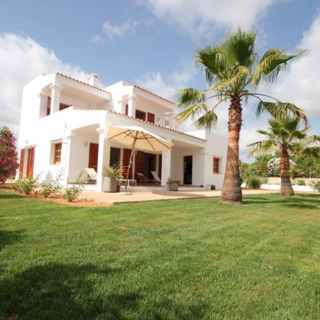 Nice 4 bedroom property for sale close to Ibiza Town, Ibiza.