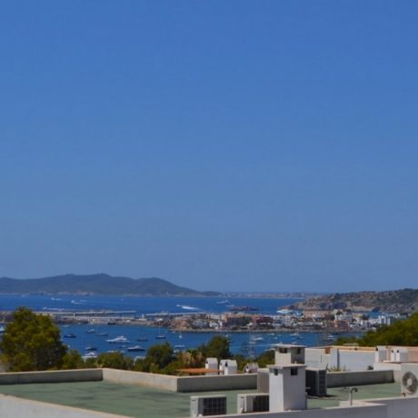 Nice townhouse with private pool for sale in Can Pep Símo, Ibiza.