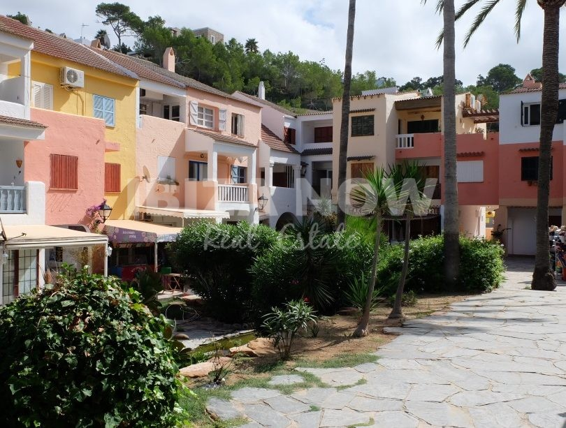 Nice 2 Bedroom Apartment For Sale Close To The Beach Of