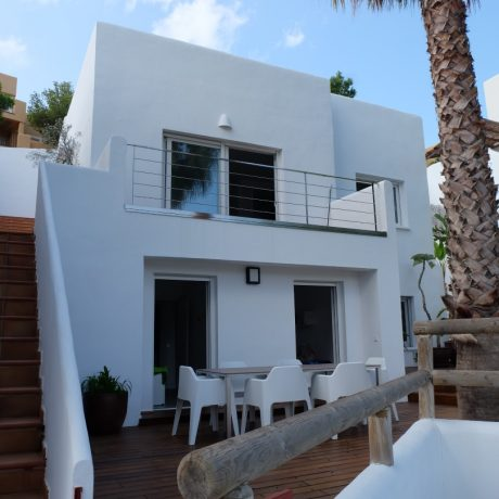 Nice 3 bedroom house for sale close to the beach of Cala Vadella, Ibiza.