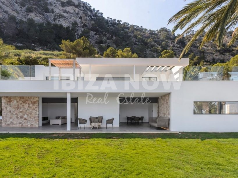 Amazing 5 bedroom villa for sale in Es Cubells, Ibiza.
