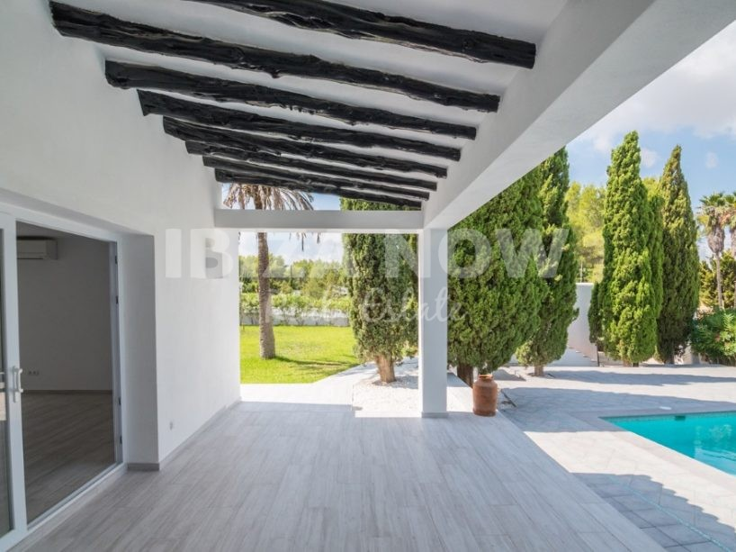 Nice 3 bedroom villa for sale in Benimussa, Ibiza
