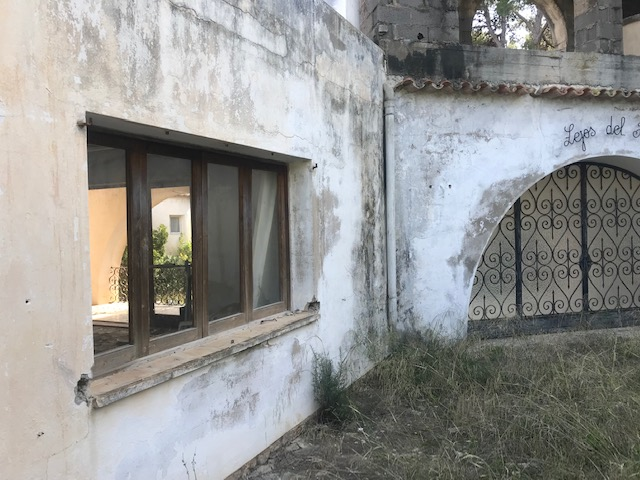Large house to renovate for sale in San Agustin, Ibiza