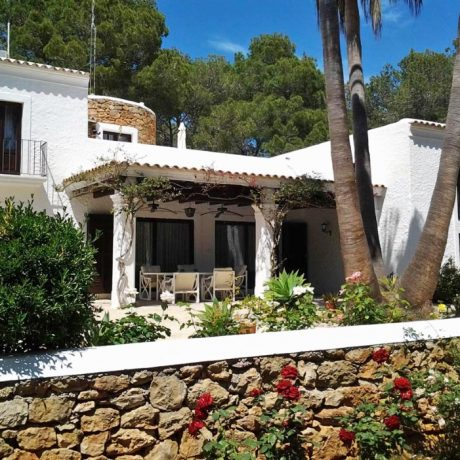 Charming Ibiza style property for sale in San Carlos, Ibiza.