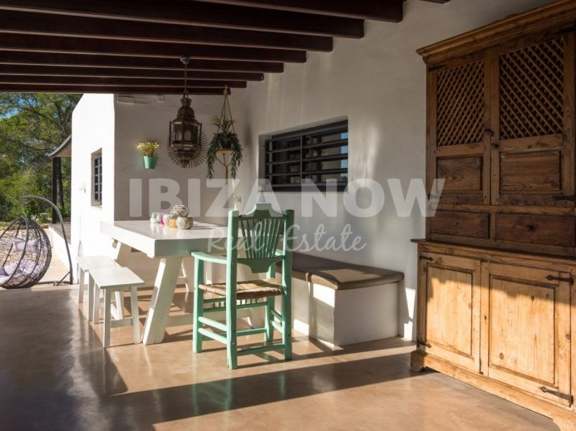 Beautiful 5 bedroom Finca style property for sale close to Ibiza