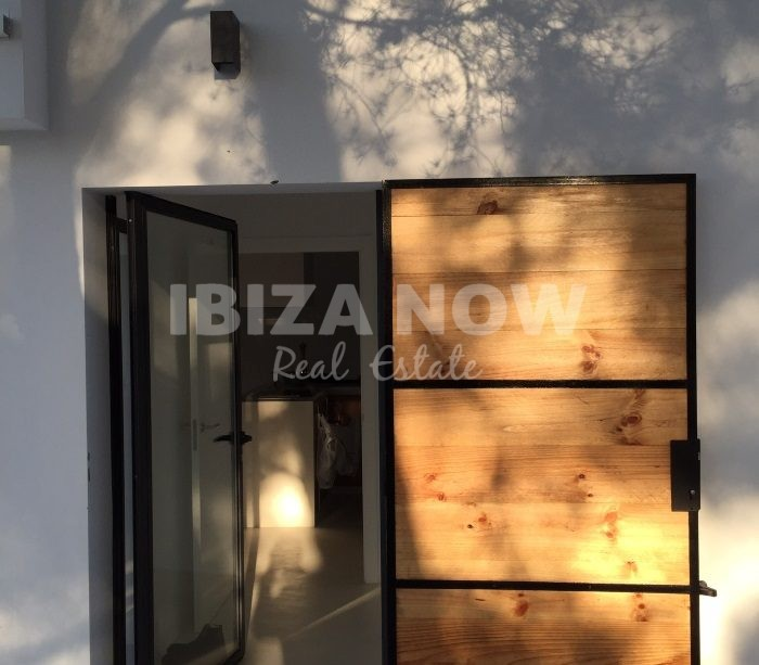 Beautiful 3 bedroom house for sale in San Carlos, Ibiza