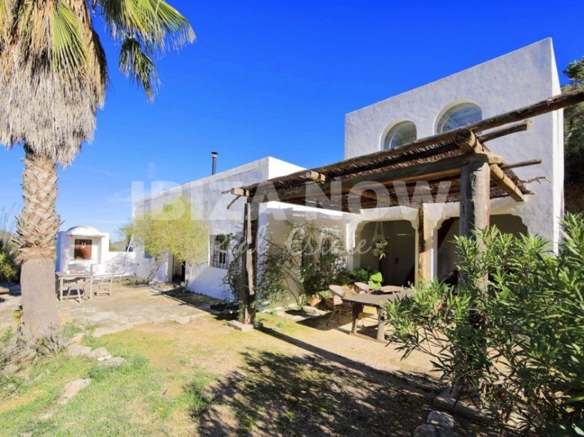 Charming country house for sale close to Santa Eularia, Ibiza.