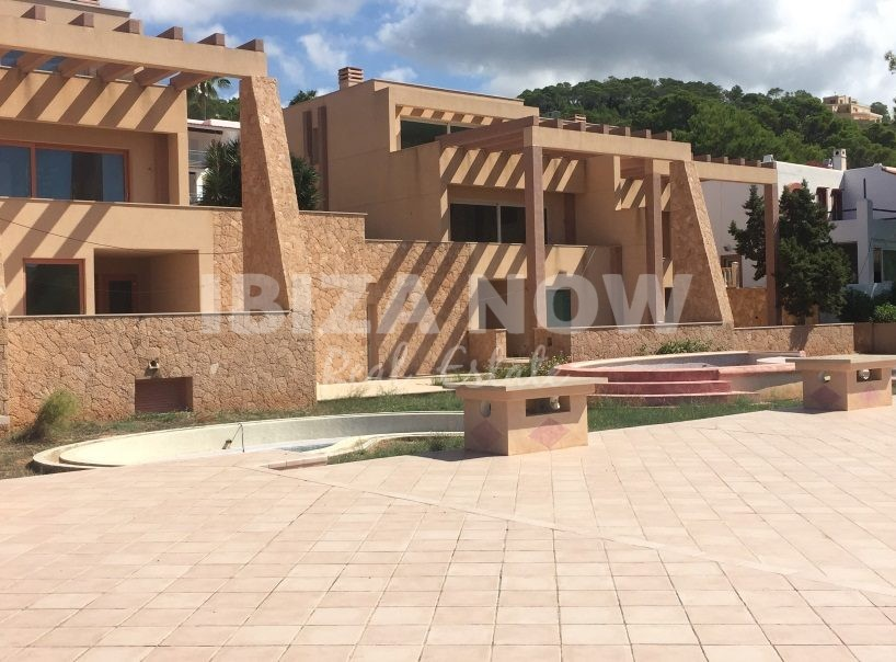 Great investment opportunity to buy in Cala Carbo, Ibiza.