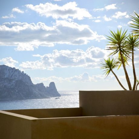 Beautiful large 4 bedroom apartment for sale in Cala Carbo, Ibiza.