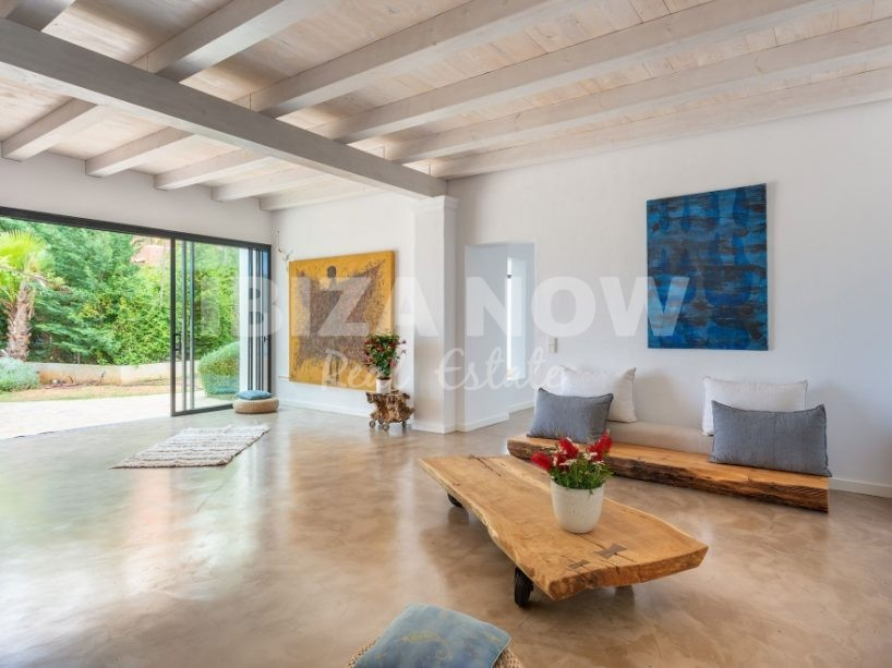 Large 6 bedroom house for sale in Santa Eularia, Ibiza