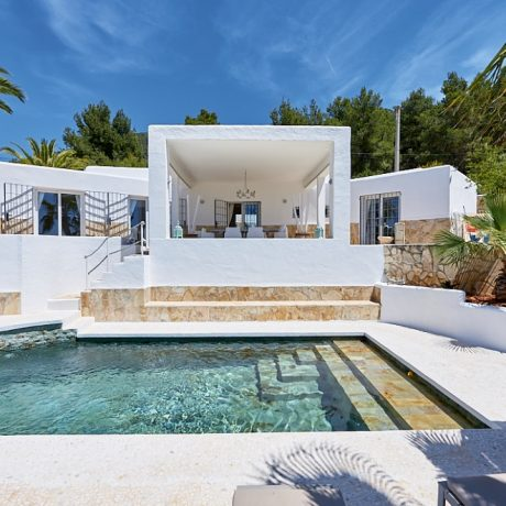 Beautiful 4 bedroom villa for sale in Cala Tarida, Ibiza.