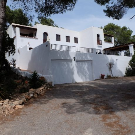 Traditional Spanish style 4 bedroom villa for sale in the South of the Island, Ibiza.