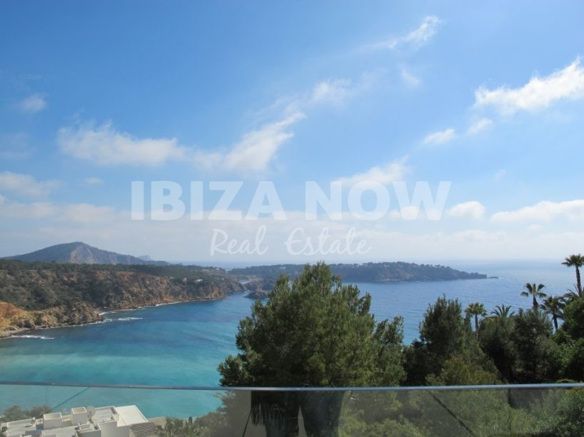 3 bedroom townhouse for sale in private urbanization in Ibiza.