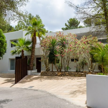 Modern 5 bedroom villa for sale in close to Ibiza Center, Ibiza.