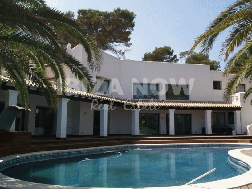 5 bedroom frontline villa for sale in Siesta, Ibiza.