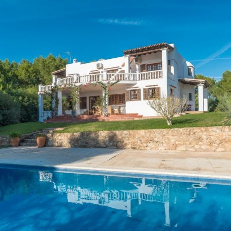 Large 6 bedroom villa for sale in Santa Eularia, Ibiza.