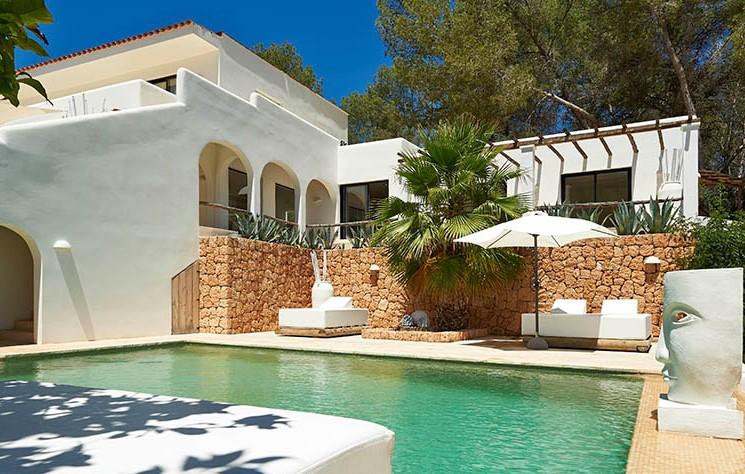 Finca style villa for sale close to the beach of San Miquel, Ibiza.