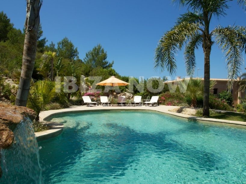 Beautiful large 7 bedroom house close to Santa Eularia, Ibiza