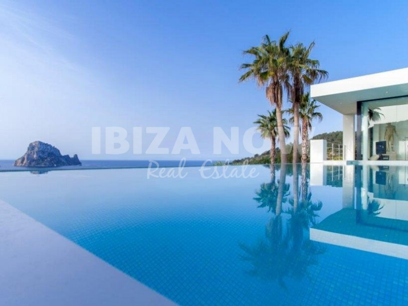 Modern villa for sale with views of Es Vedra, Ibiza