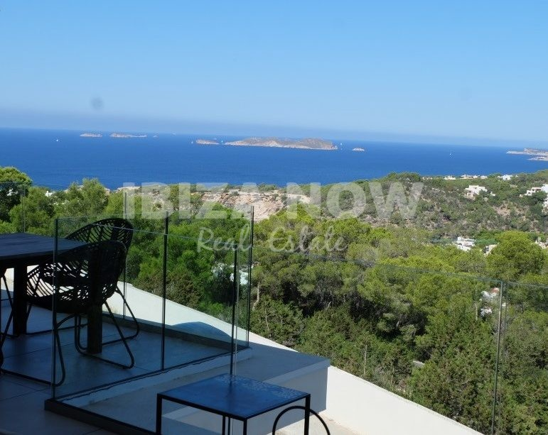 Beautiful 1 bedroom studio apartment for sale in Cala Vadella, Ibiza