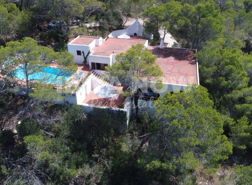 3 bedroom villa for sale close to Cala Tarida, Ibiza.