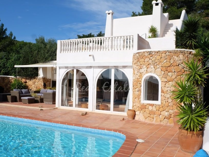 Nice 4 bedroom house for sale close to Ibiza Town, Ibiza.