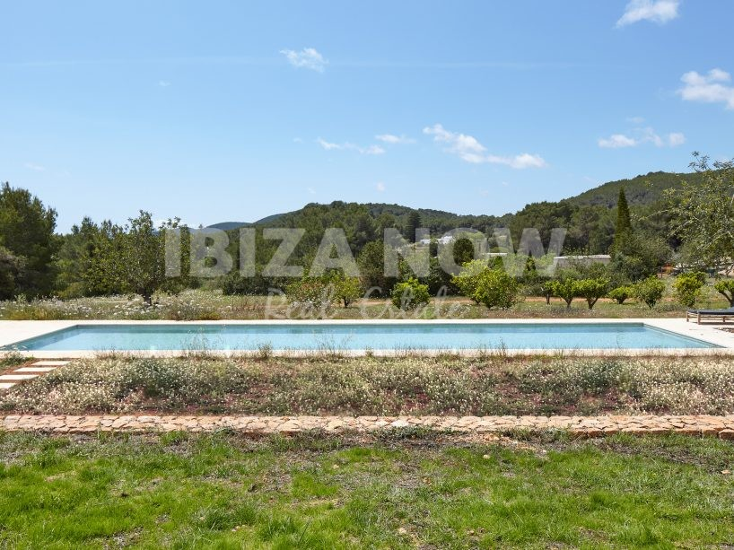 Beautiful modern 5 bedroom villa for sale in the countryside of Ibiza