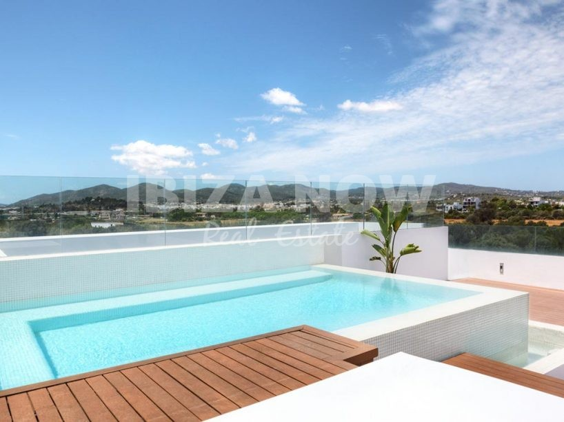 Penthouse with 3 bedrooms for sale in Jesus, Ibiza.