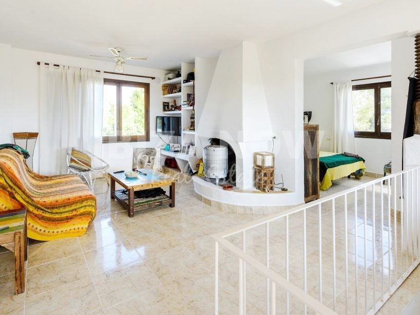 Nice 5 bedroom house for sale close to the beach, Ibiza