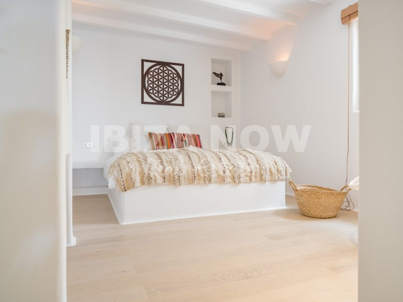 Beautiful 3 bedroom townhouse for sale in Santa Eularia, Ibiza