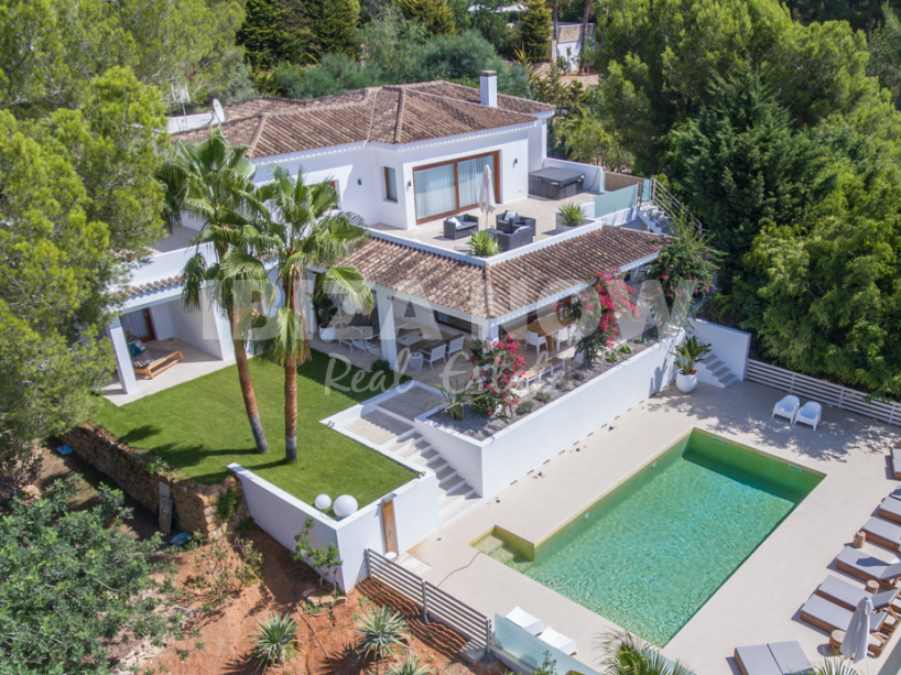 Completely renovated 6 bedroom villa for sale in Jesus, Ibiza