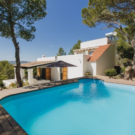 Nice 3 bedroom villa for sale close to the beach of Talamanca, Ibiza.