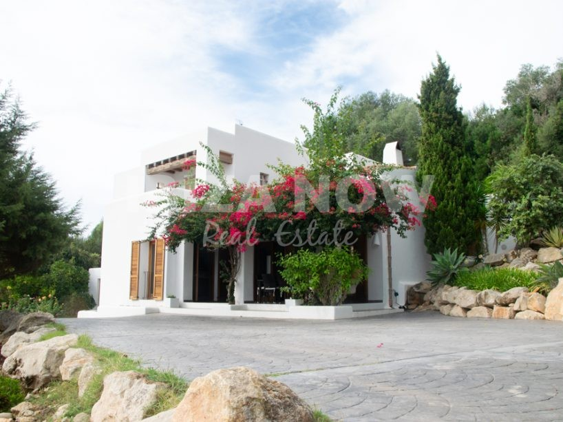 Nice 3 bedroom house for sale in San Agustin, Ibiza.