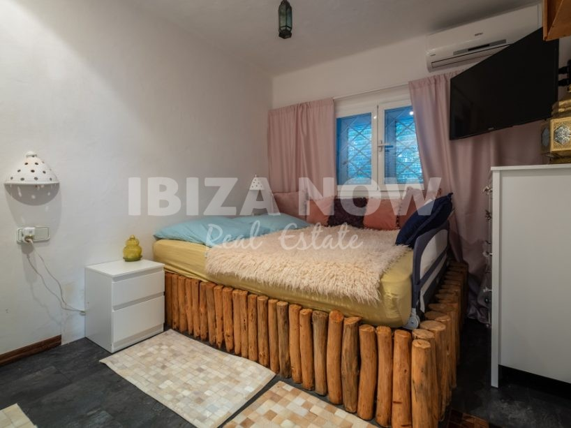 Nice 3 bedroom house for sale in private urbanization in Ibiza
